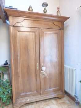 Photo: Sells Cupboard MEUBLE ANCIEN