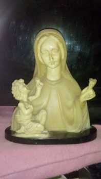 Photo: Sells Porcelain NINO DIOS OFRECIENDO FLOR - Statuette