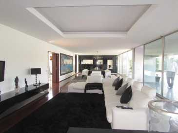 Photo: Sells House 400 m2 (4,306 ft2)