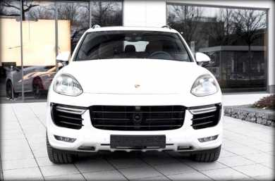 Photo: Sells FWD car PORSCHE - Cayenne