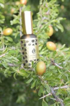 Photo: Sells Gastronomy and cooking ARGAN OIL