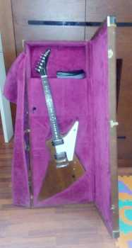 Photo: Sells Guitar GIBSON - EARLY 90'S EXPLORER