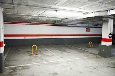 Photo: Sells Parking facility 15 m2 (161 ft2)