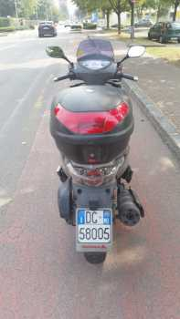 Photo: Sells Motorbike 300 cc - KYMCO