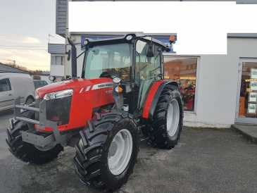 Photo: Sells Agricultural vehicle GMC - MF 4707
