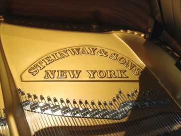 Photo: Sells Concert grand piano STEINWAY & SONS - MODELLO D