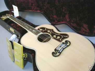 Photo: Sells Guitar GIBSON - SJ 200