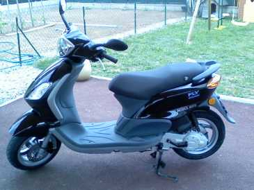 see an ad sells scooter 50 cc piaggio piaggio fly. Black Bedroom Furniture Sets. Home Design Ideas